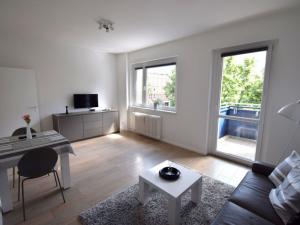 Top sanierte 2-Zimmer in beliebtem Ansbacher Carré zwischen KaDeWe und Viktoria-Luise-Platz!