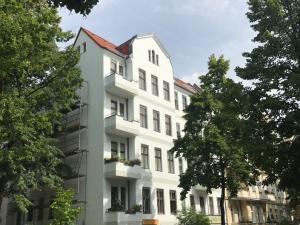 Kapitalanlage 2,15 % – 2 Zimmer Altbauwohnung in Steglitz