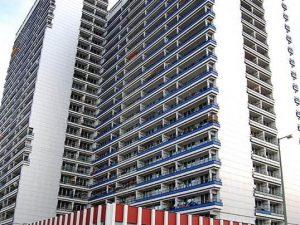 Wohnen in exzellenter Lage mit Balkon  und spektakulärem  Blick auf den Fernsehturm