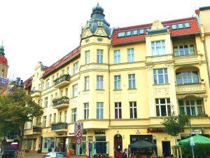 Renovierungsbedürftige 4 Zimmer-DG-ETW in Top-Friedenauer-Lage