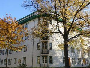 3-Zimmer Altbauwohnung im grünen Berlin-Steglitz. Zur Zeit vermietet.